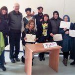 Una desena de persones completen el curs de Càritas Manlleu per formar persones en el camp de la neteja domèstica i industrial